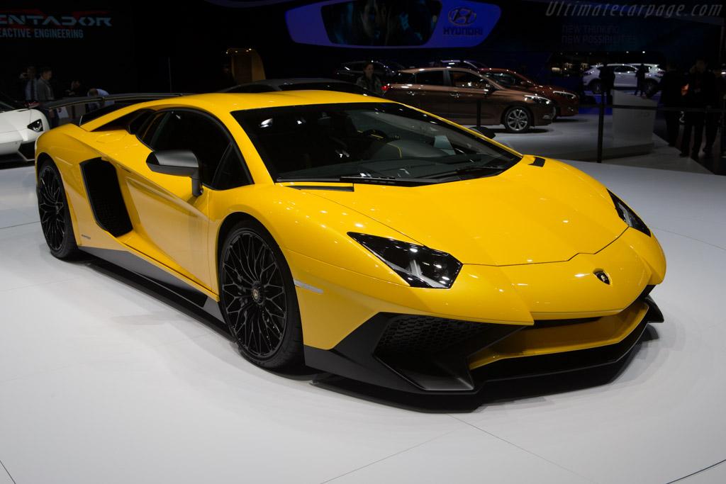 Click here to open the Lamborghini Aventador LP750-4 SV gallery
