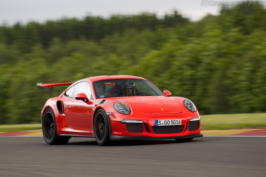 Click here to open the Porsche 911 GT3 RS gallery