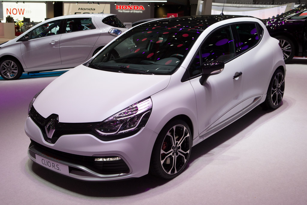 2015 renault clio r s 220 trophy   images specifications