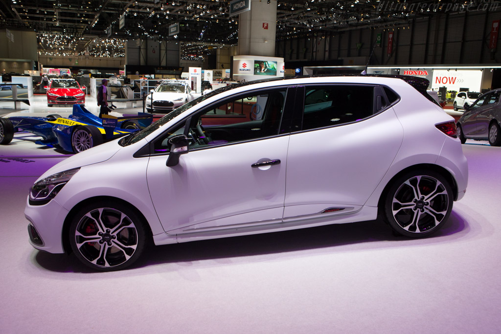 Renault Clio R.S. 220 Trophy    - 2015 Geneva International Motor Show