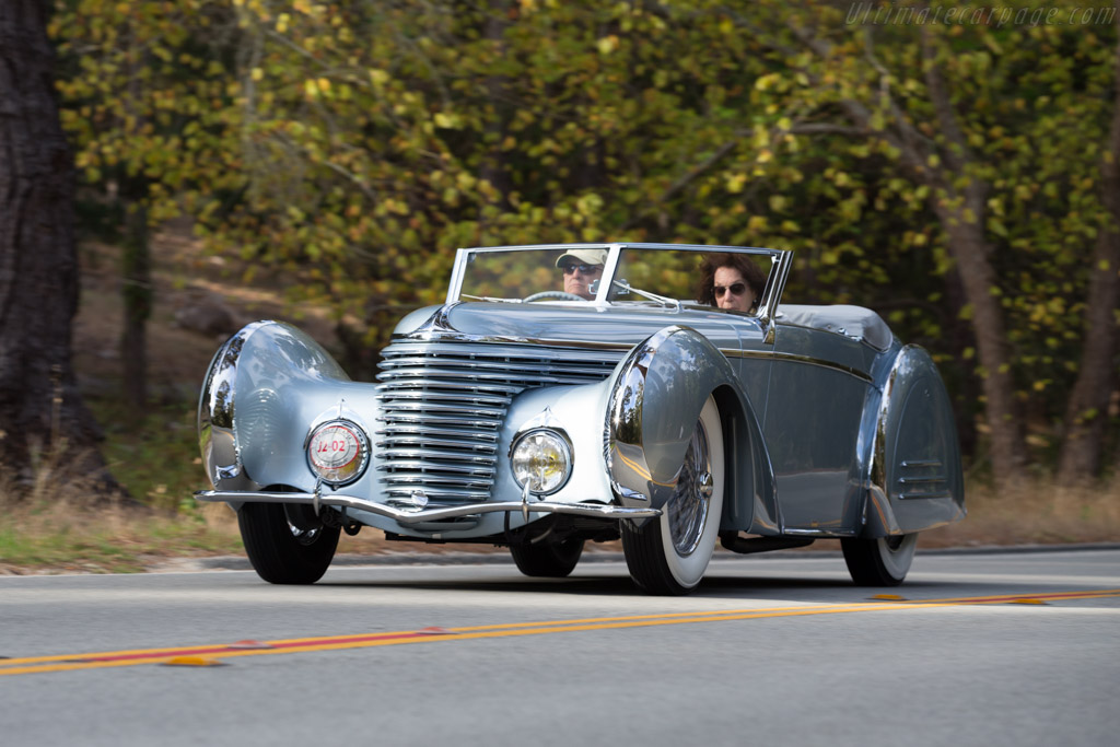 Click here to open the Delahaye 145 Franay Cabriolet gallery