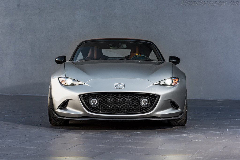 Click here to open the Mazda MX-5 Spyder gallery