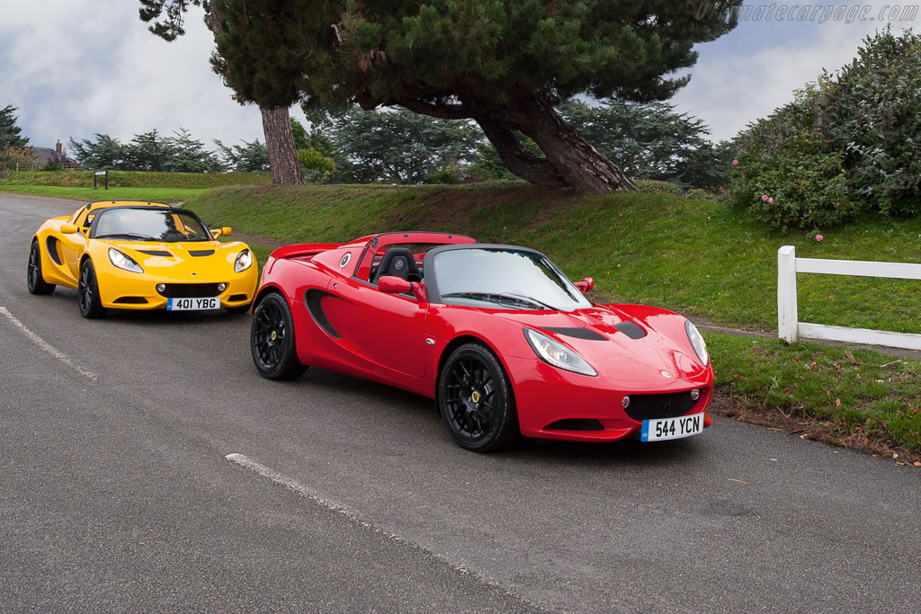 Click here to open the Lotus Elise Sport 220 gallery