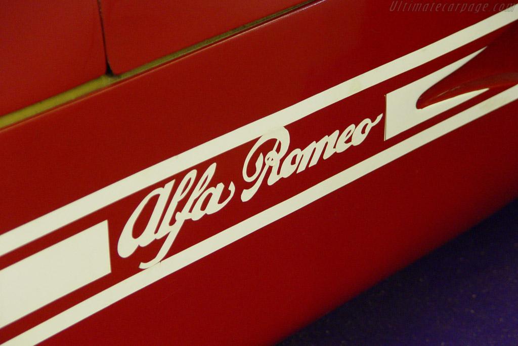 Alfa Romeo 33/TT/12 - Chassis: AR 11512-007  - 2004 Retromobile