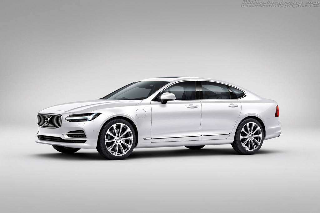Click here to open the Volvo S90 T8 gallery