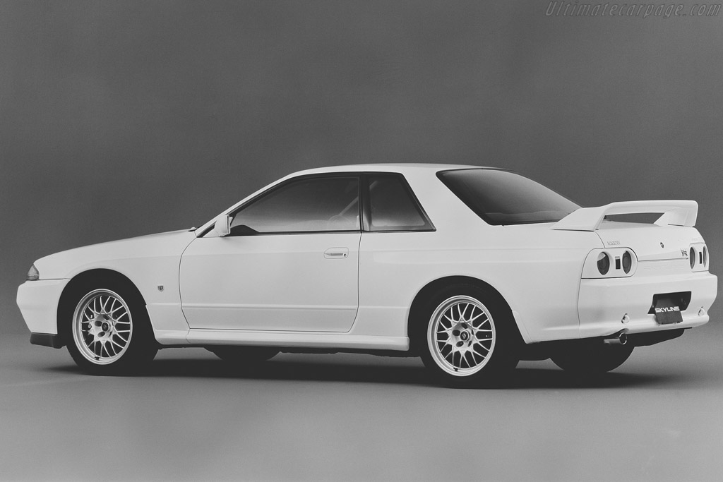 Click here to open the Nissan Skyline GT-R V-Spec II gallery