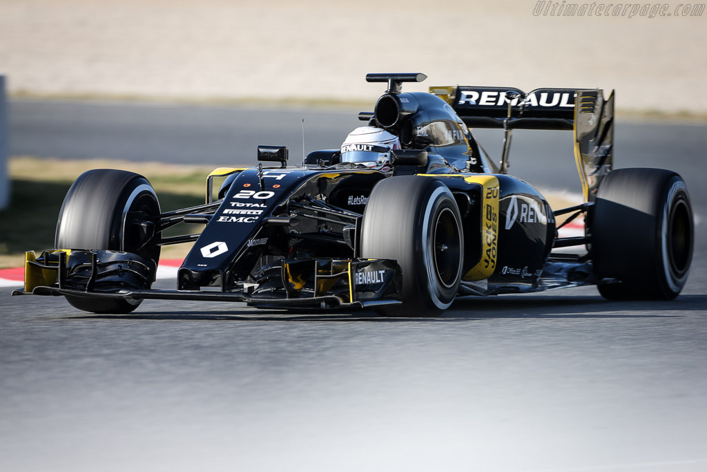 Click here to open the Renault R.S. 16 gallery
