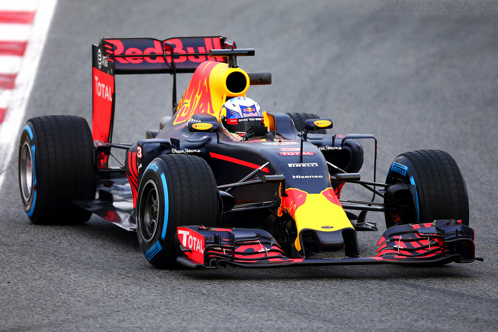 Click here to open the Red Bull Racing RB12 Tag-Heuer gallery