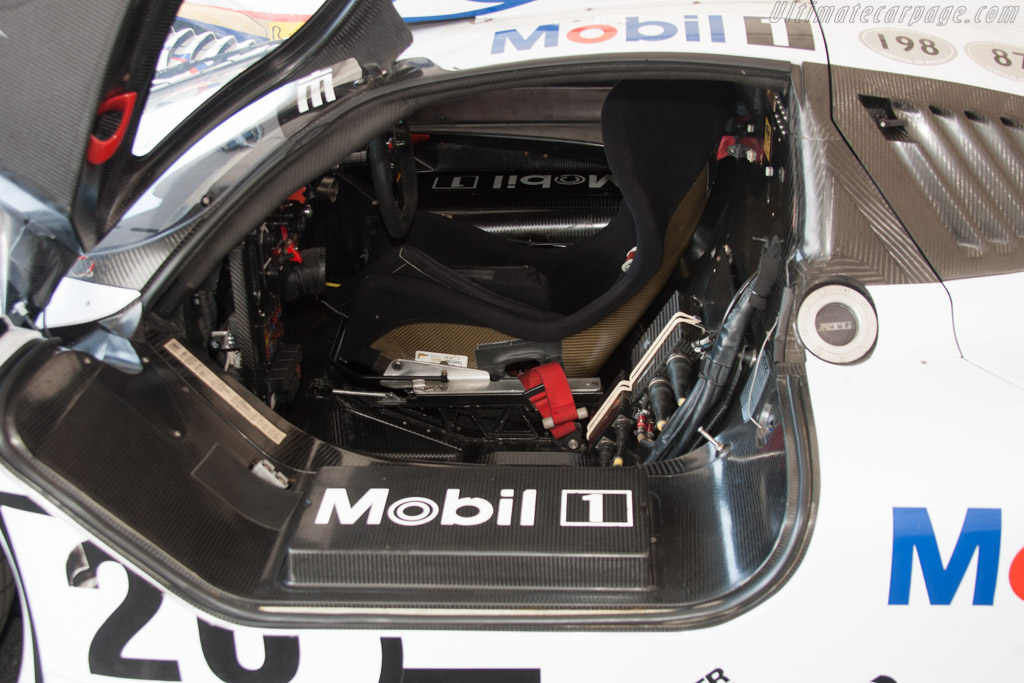 porsche 911 gt1 chassis numbers porsche 911 gt1 39 98. Black Bedroom Furniture Sets. Home Design Ideas
