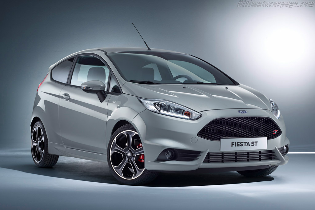 Click here to open the Ford Fiesta ST200 gallery