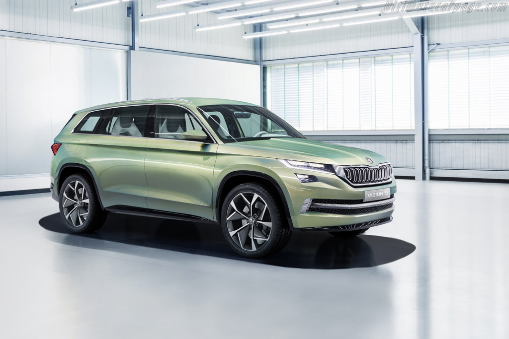 Click here to open the Skoda VisionS Concept gallery