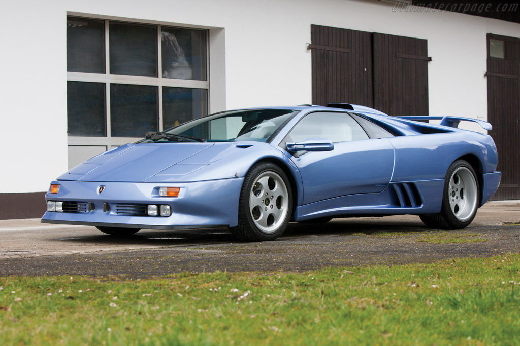 Click here to open the Lamborghini Diablo SE30 Jota gallery