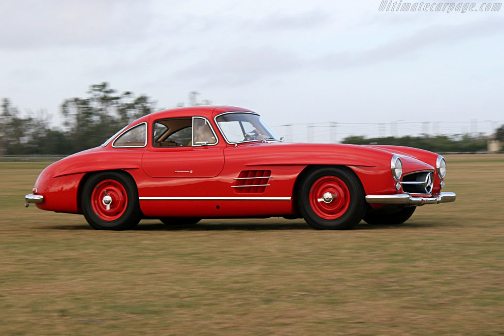 Click here to open the Mercedes-Benz 300 SL 'Gullwing' Coupe gallery