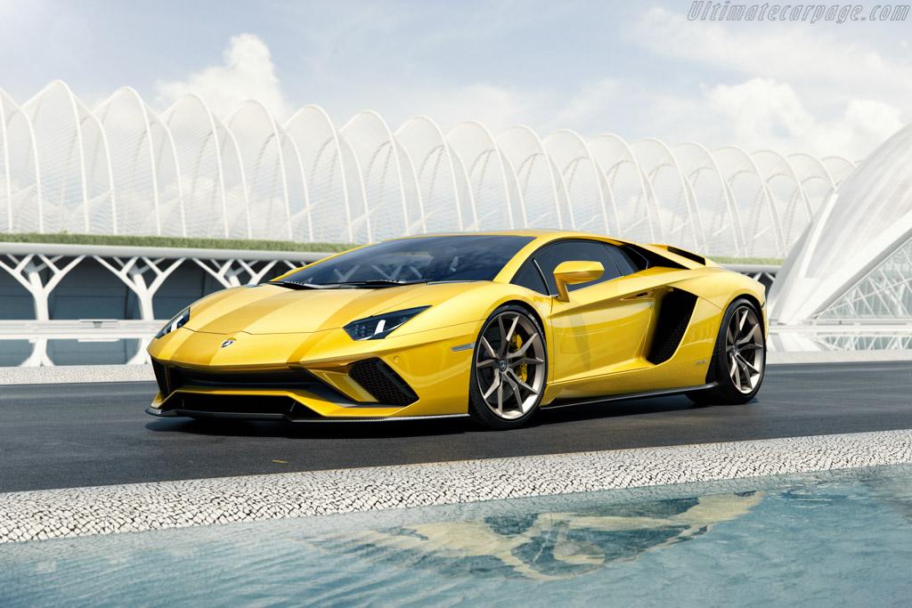 Click here to open the Lamborghini Aventador S gallery