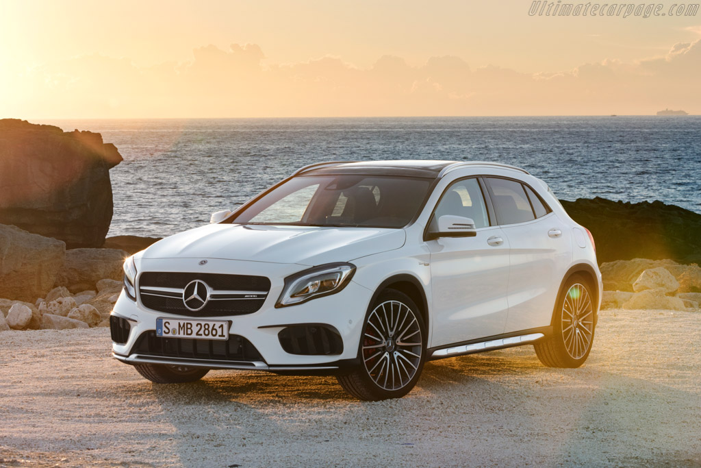 Click here to open the Mercedes-AMG GLA 45 gallery