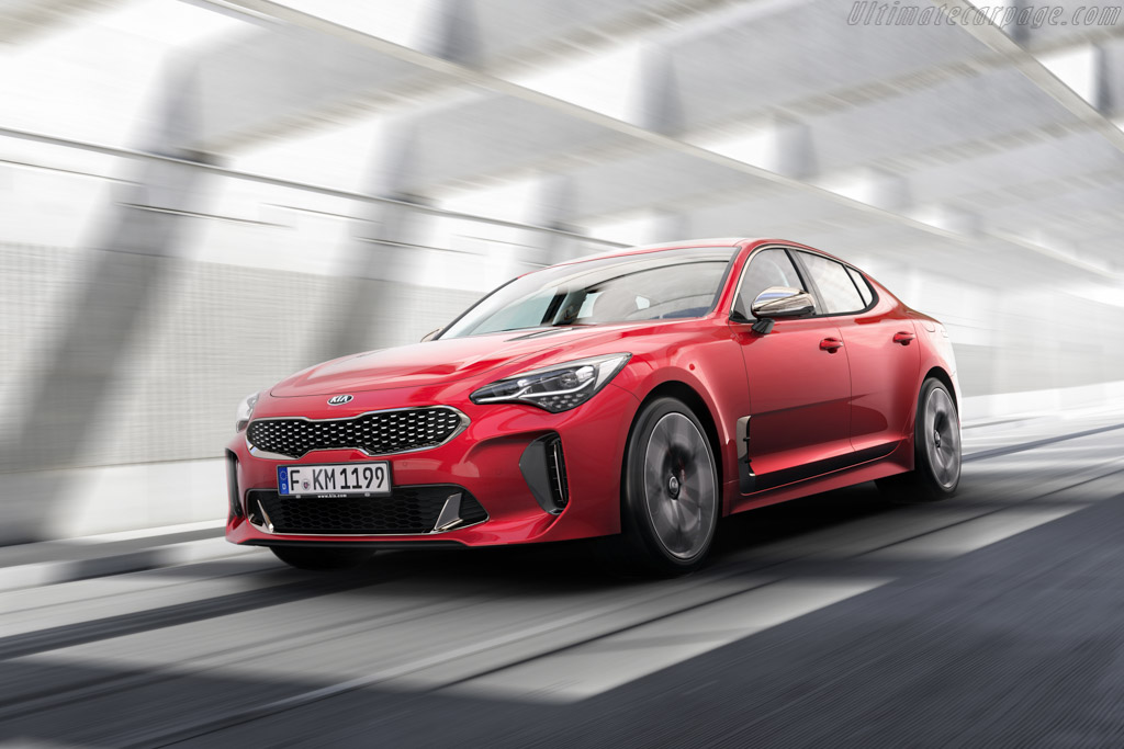 Click here to open the Kia Stinger GT gallery