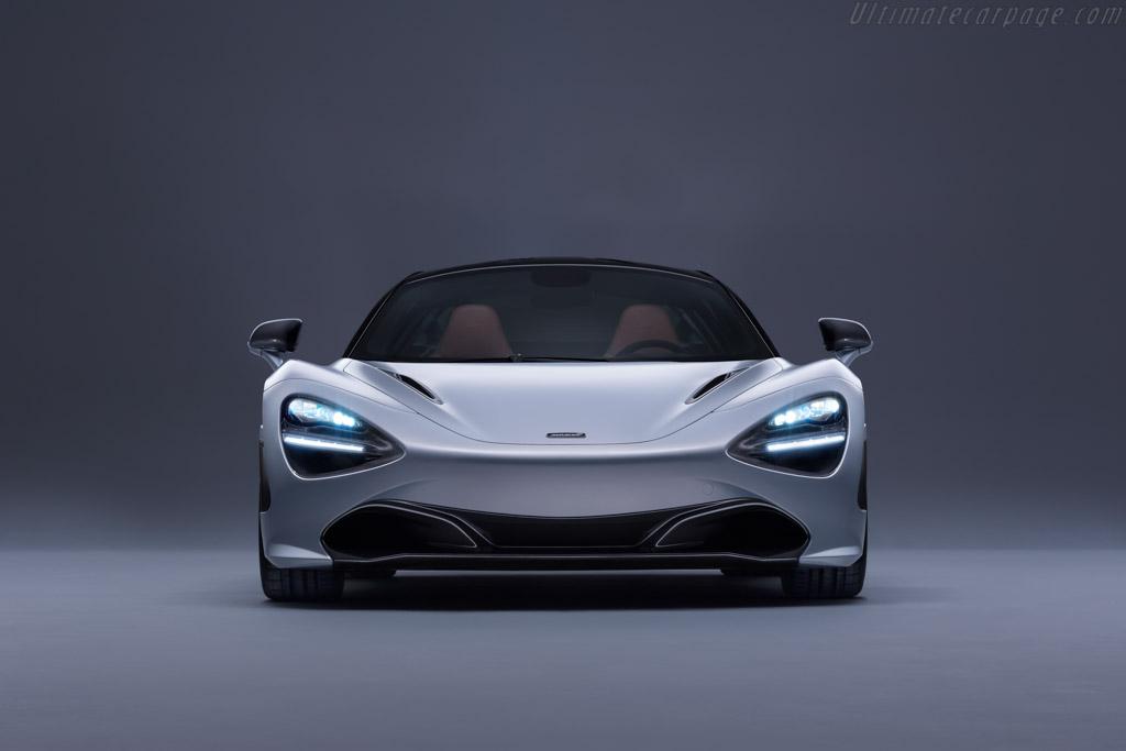 McLaren 720S Coupe