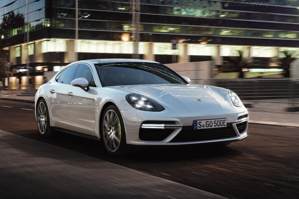 Click here to open the Porsche Panamera Turbo S E-Hybrid gallery