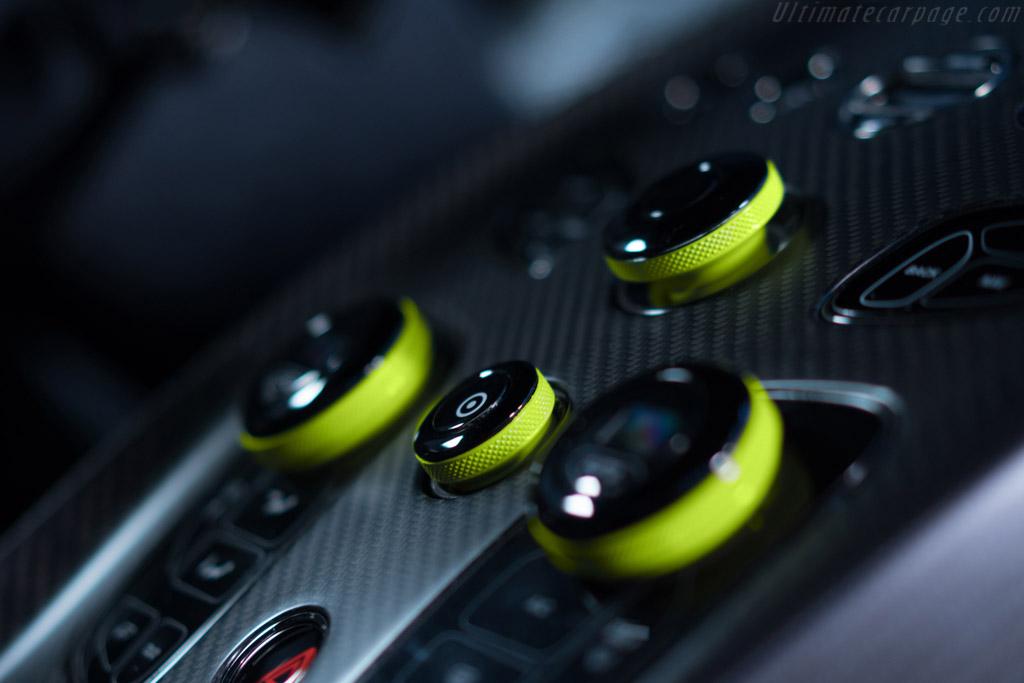Aston Martin Vantage AMR Pro