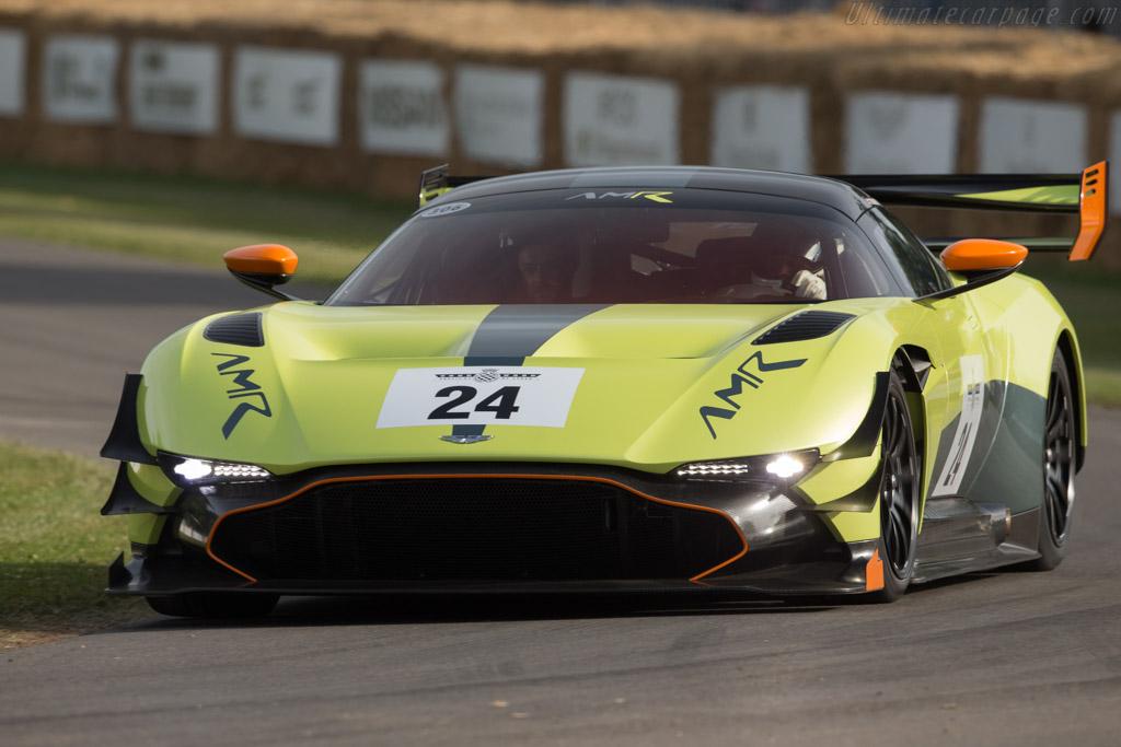Aston Martin Vulcan AM...
