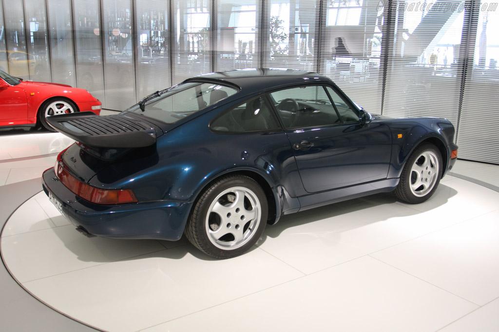 Porsche 911 Turbo 3.3    - Porsche Museum Visit