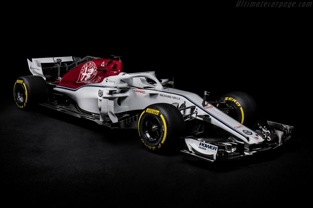 Sauber-C37-Ferrari-133997.jpg