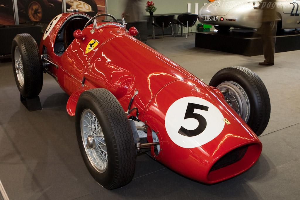 Click here to open the Ferrari 500 F2 gallery