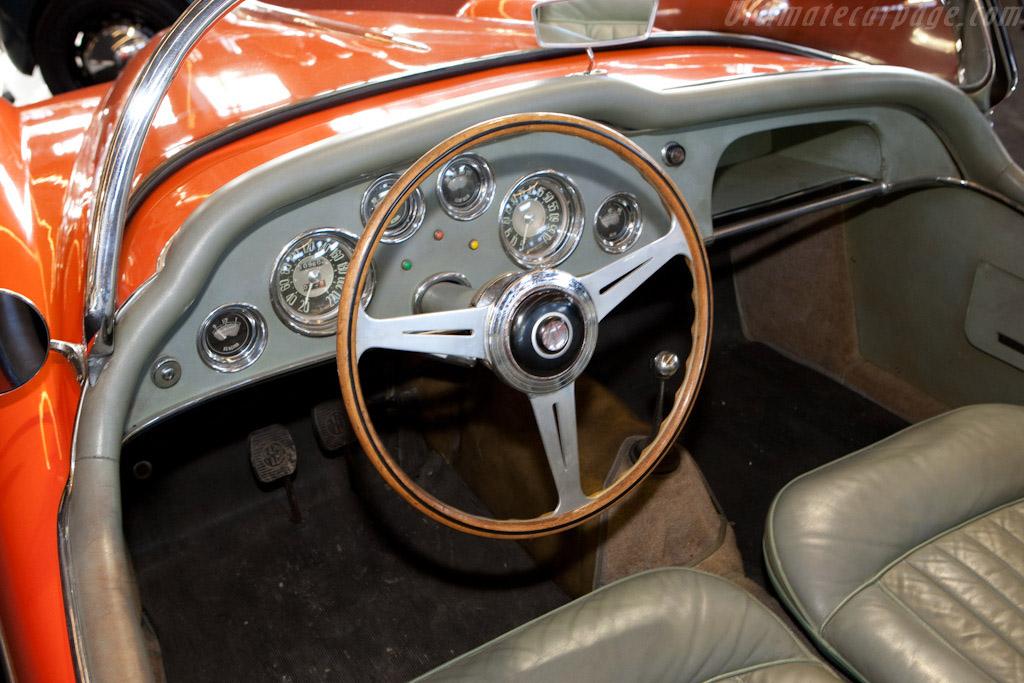 Alfa Romeo 1900C SS Ghia Roadster - Chassis: AR1900C 10098   - 2009 Retromobile