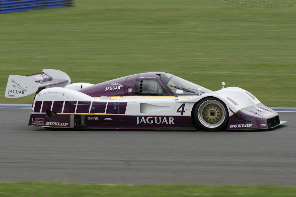 Jaguar XJR-11 - Chassis: 590   - 2005 Silverstone Classic