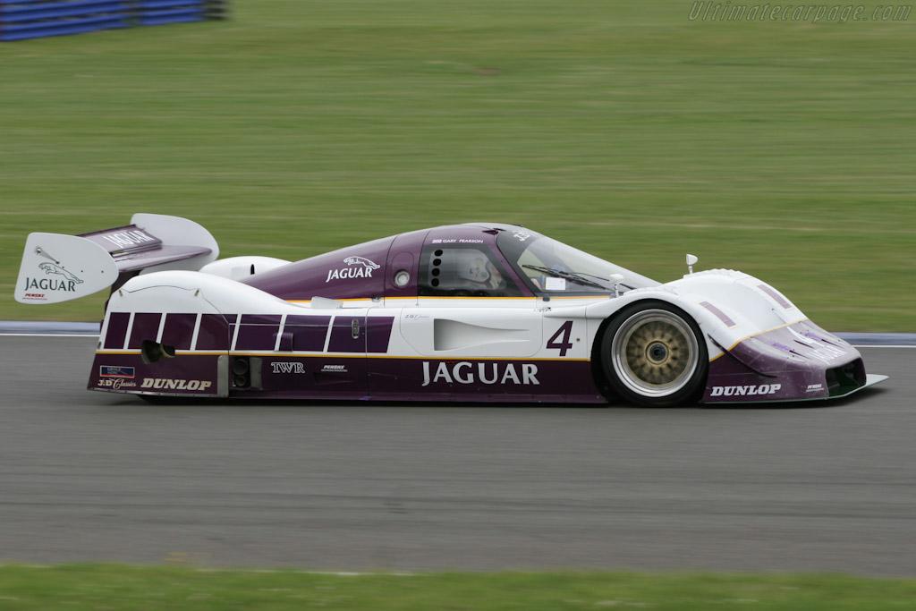 Jaguar XJR-11 - Chassis: 590   - 2005 Silverstone Classic