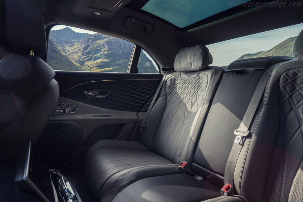 Bentley Flying Spur V8