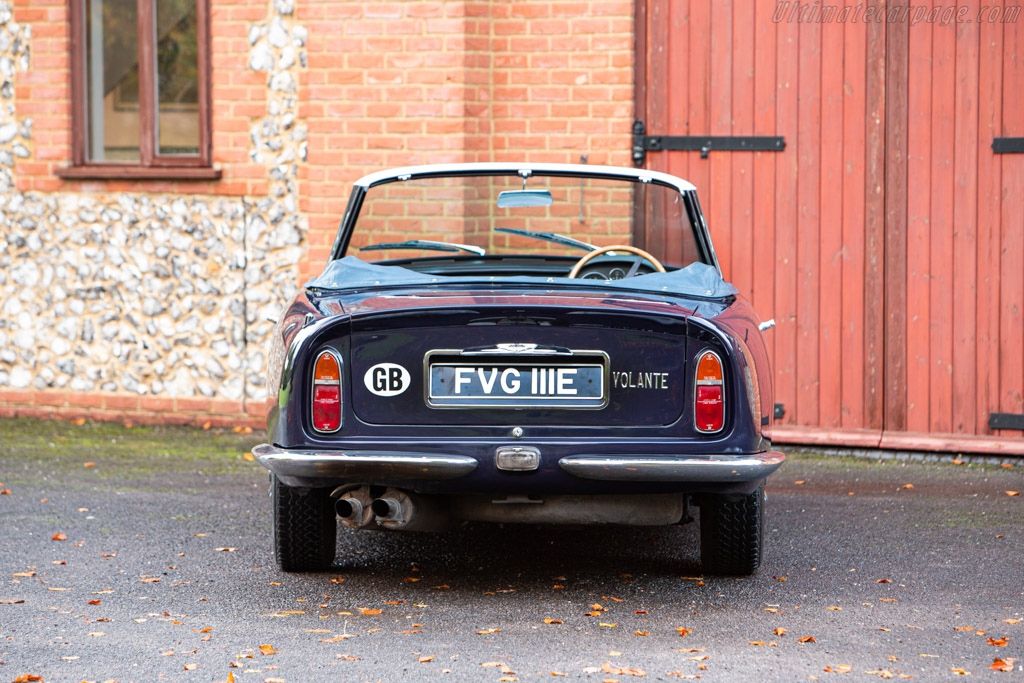 Aston Martin DB6 Vantage Volante