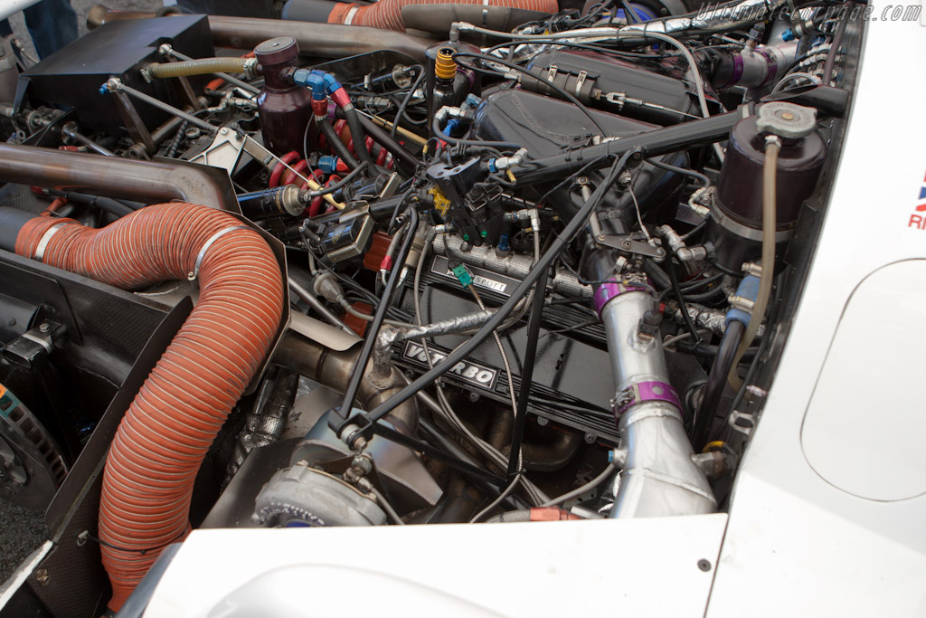 Jaguar XJR-16 - Chassis: JV6 C 191   - 2010 24 Hours of Le Mans