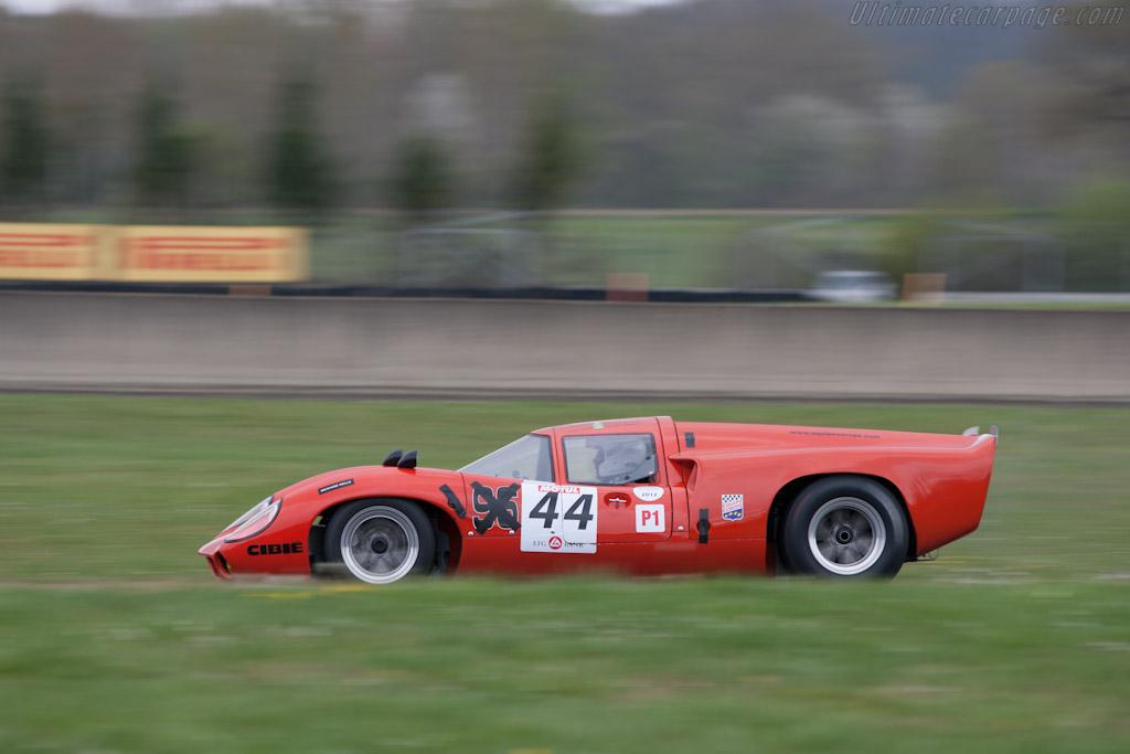 Lola T70 Mk3 - Chassis: SL73/129   - 2012 Coupes de Paques