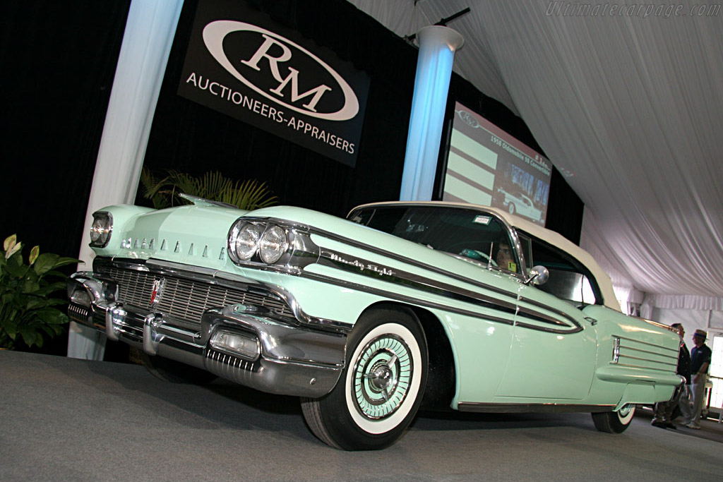 Oldsmobile 98 Convertible - Chassis: 589W03381   - 2006 Amelia Island Concours d'Elegance