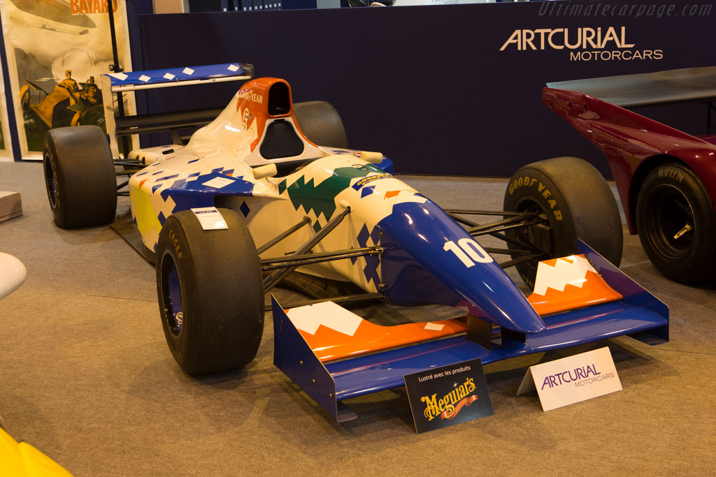 Arrows FA15 - Chassis: FA15/01   - 2015 Retromobile