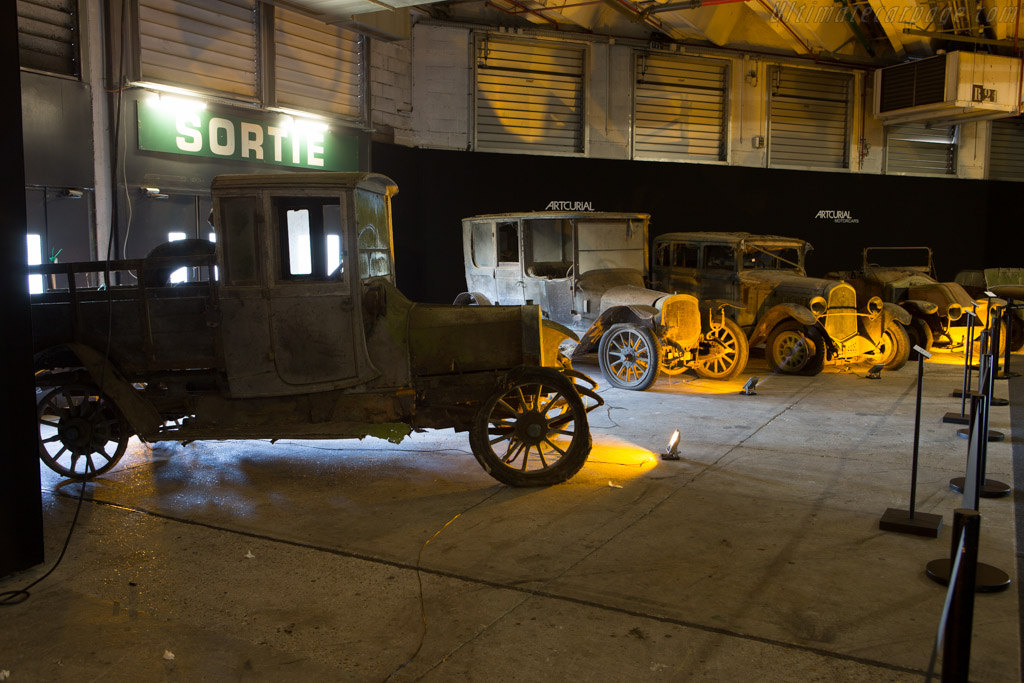 Delahaye Type 43 Camion Plateau - Chassis: 5378   - 2015 Retromobile