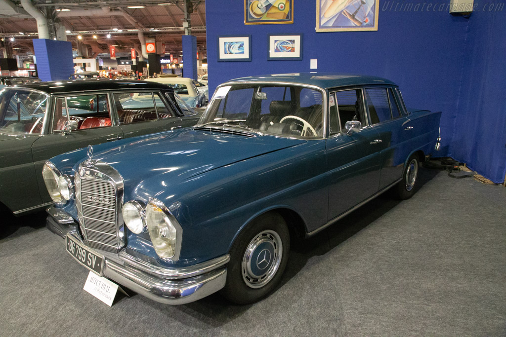 Mercedes-Benz 230 S - Chassis: 111.010.10.105921  - 2020 Retromobile