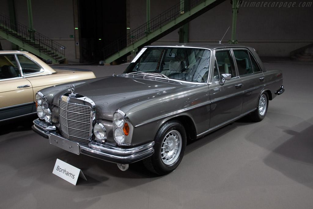 Mercedes-Benz 280 SE 3.5 Saloon - Chassis: 108.057.12.012212  - 2019 Retromobile
