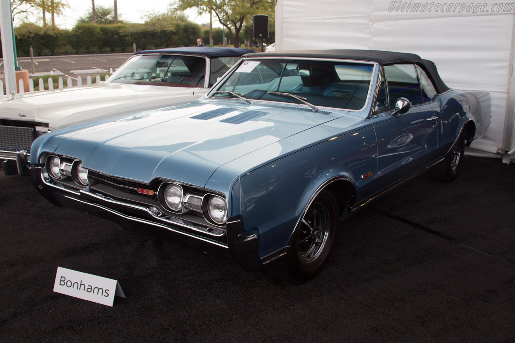 Oldsmobile 4-4-2 Convertible - Chassis: 338677M165524   - 2017 Scottsdale Auctions