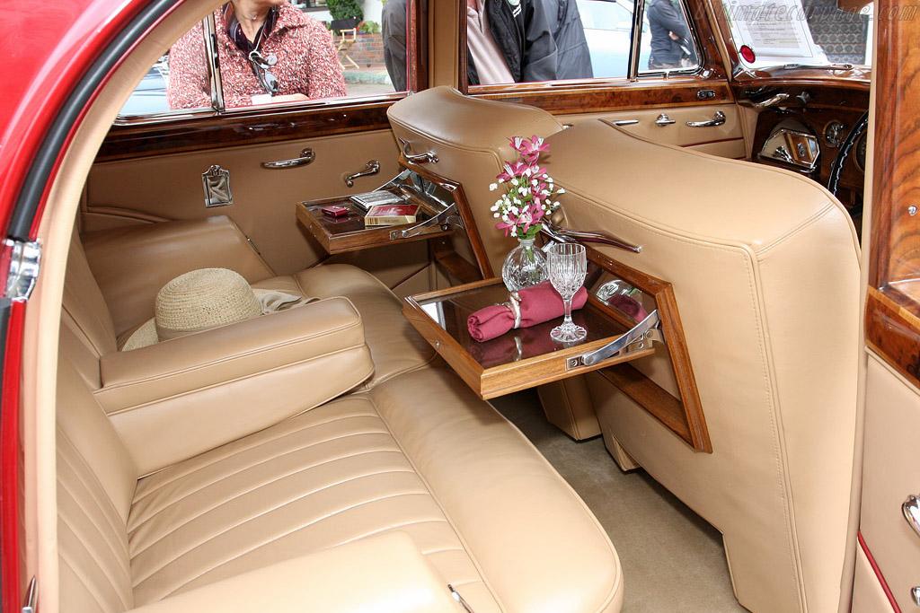 Bentley Mark VI Radford Countryman    - 2008 Concours on the Avenue