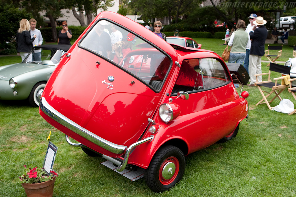 Isetta 300 Coupe Deluxe    - 2009 Concours on the Avenue