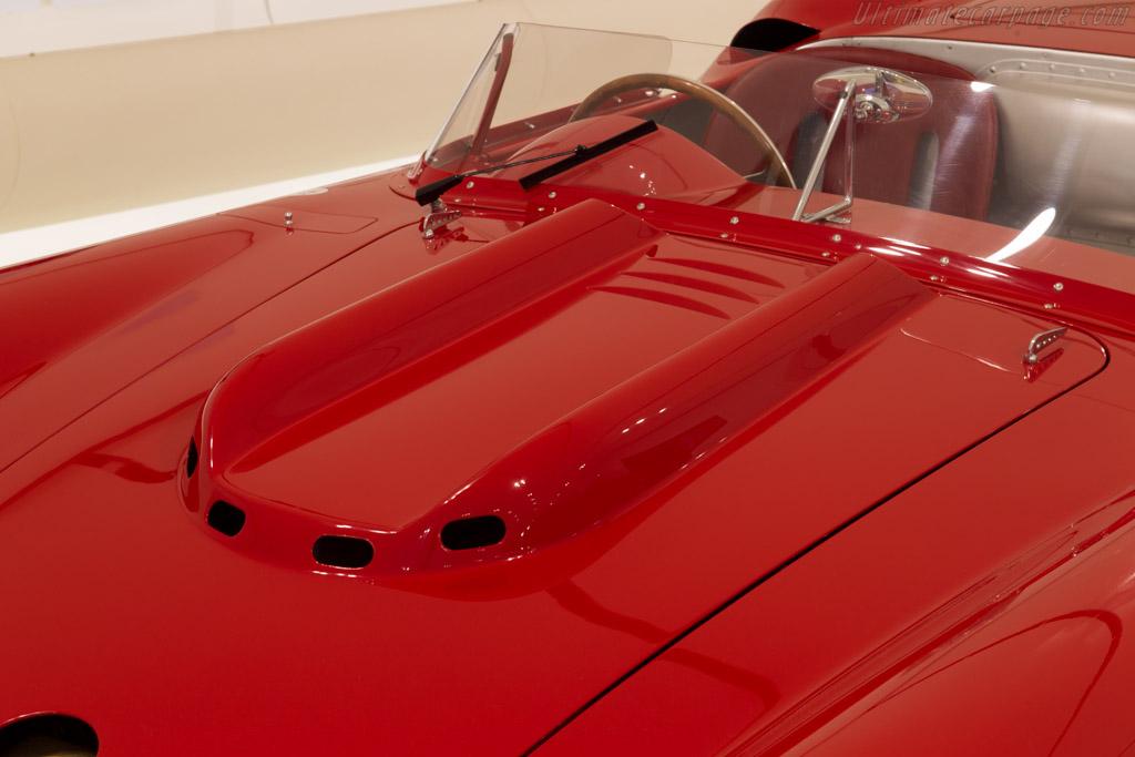 Maserati 350S V12    - Museo Casa Enzo Ferrari
