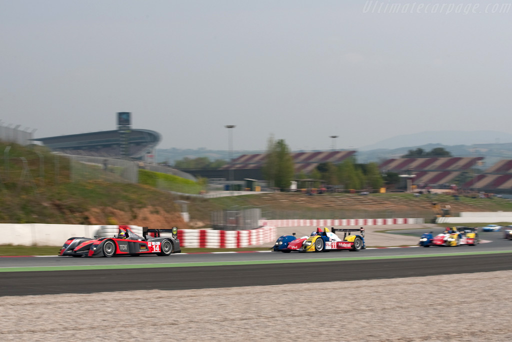 Nose-to-tail racing - Chassis: 201   - 2009 Le Mans Series Catalunya 1000 km