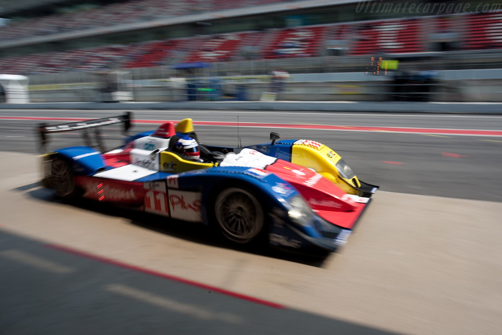 Ortelli visits the pits - Chassis: LC70-13   - 2009 Le Mans Series Catalunya 1000 km