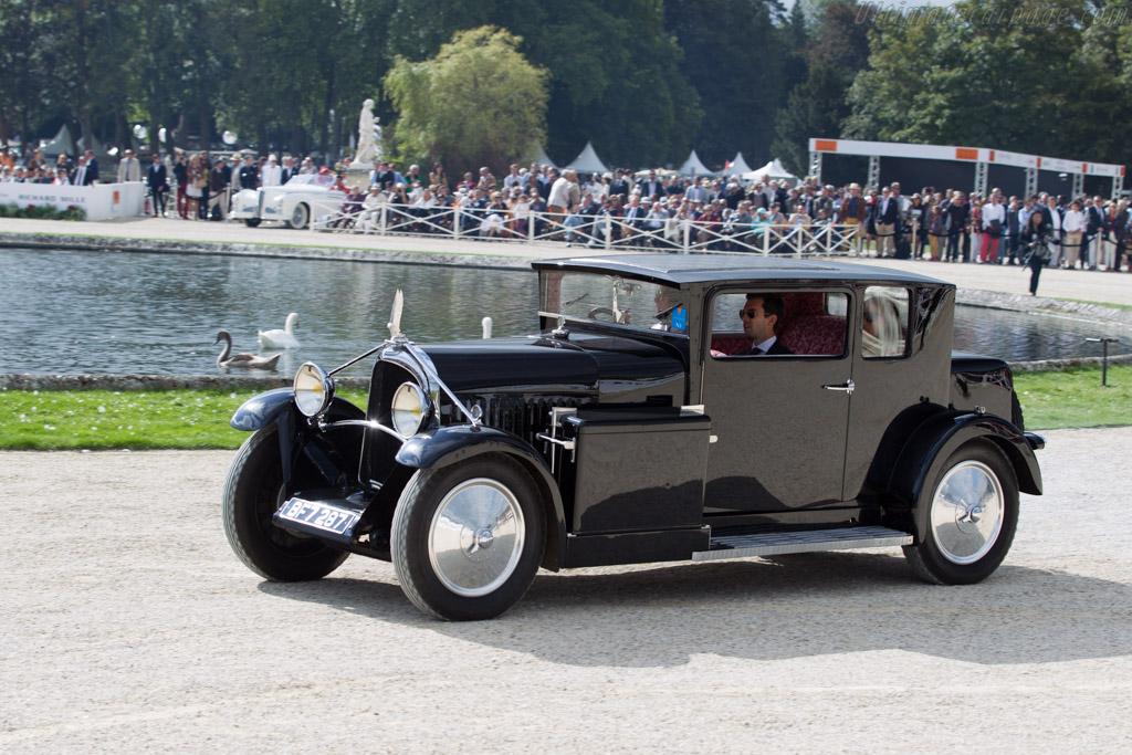 Voisin C14 Demi-Berline - Chassis: 28674 - Entrant: Francesco & Julia de Baldanza  - 2015 Chantilly Arts & Elegance