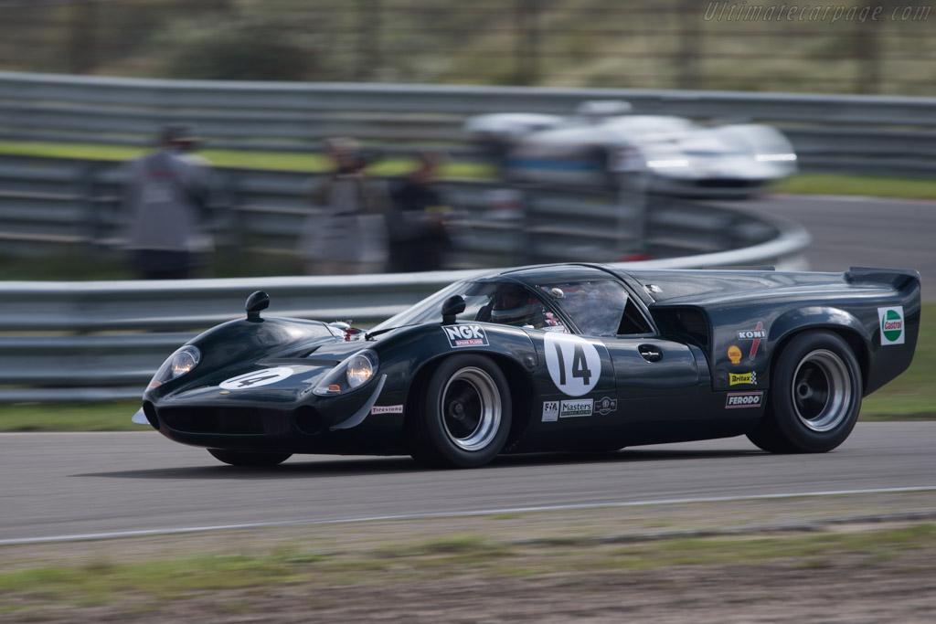 Lola T70 Mk3 Coupe Chevrolet - Chassis: SL73/113 - Driver: Mark Devis  - 2014 Historic Grand Prix Zandvoort