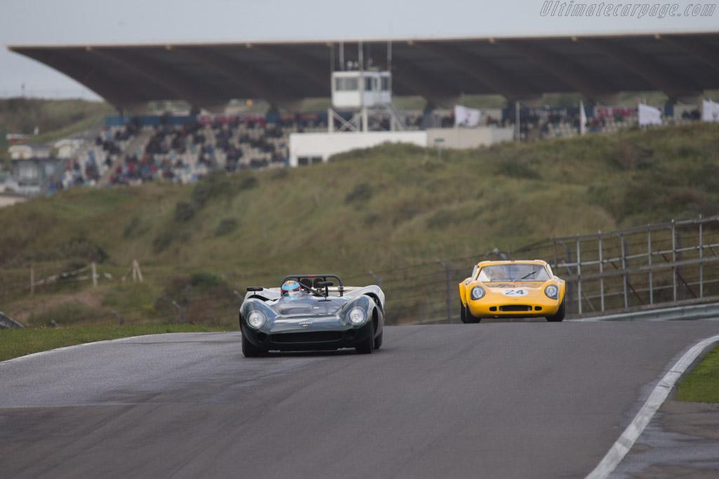 Lola T70 Spyder - Chassis: SL70/11 - Driver: David Hart  - 2014 Historic Grand Prix Zandvoort