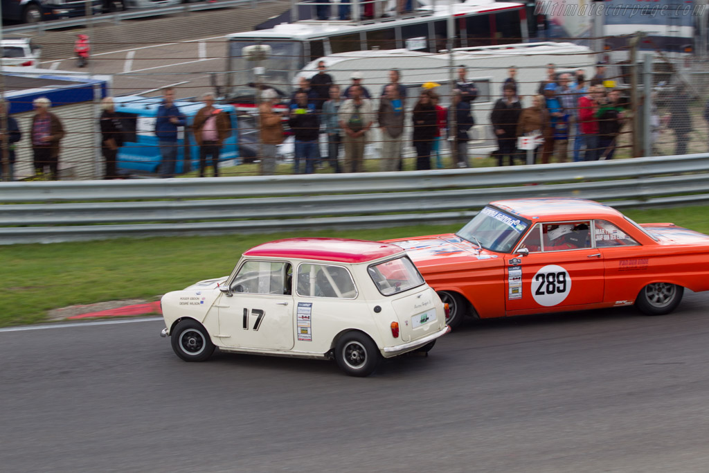 mini cooper s driver roger ebdon 2014 historic grand prix zandvoort. Black Bedroom Furniture Sets. Home Design Ideas