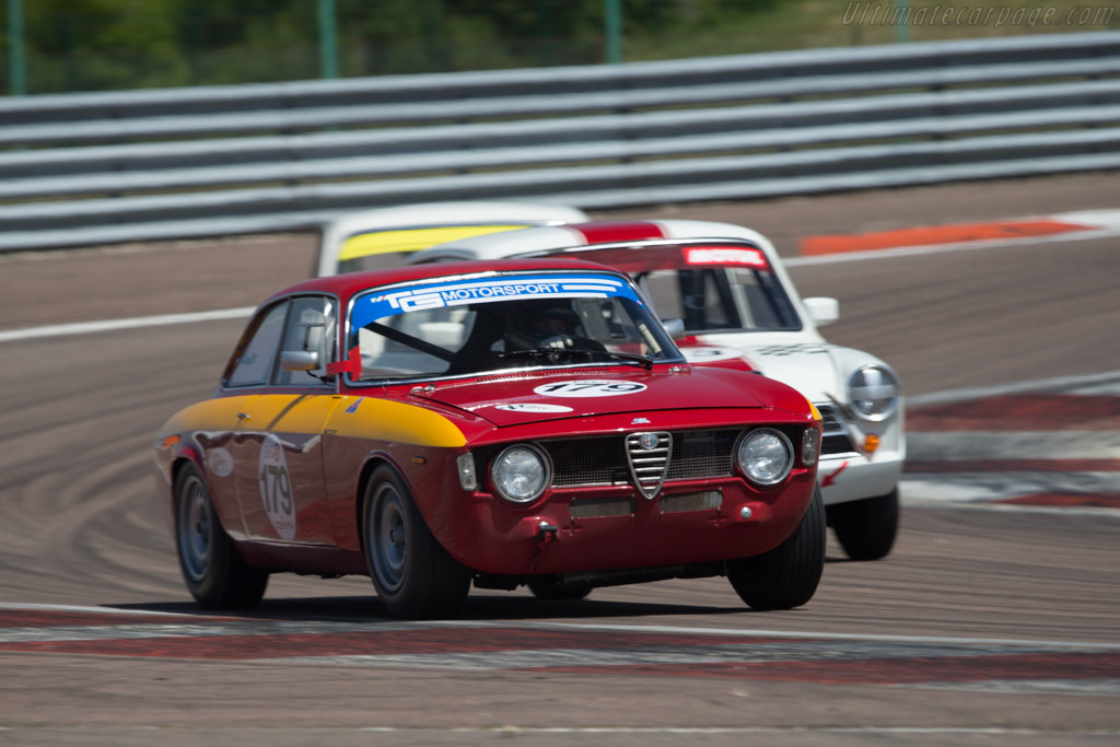 alfa romeo giulia sprint gta chassis ar613240 driver dominik roschmann 2014 grand prix. Black Bedroom Furniture Sets. Home Design Ideas